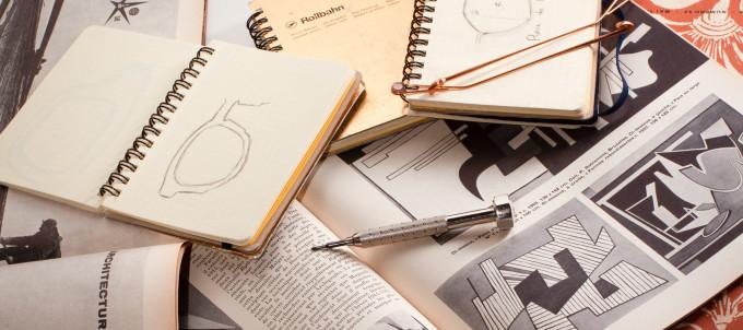 Skizzenblöcke und grafische Inspirationen in Bauhaus Ästhetik als Grundlage für die Ahlem Kollektion.