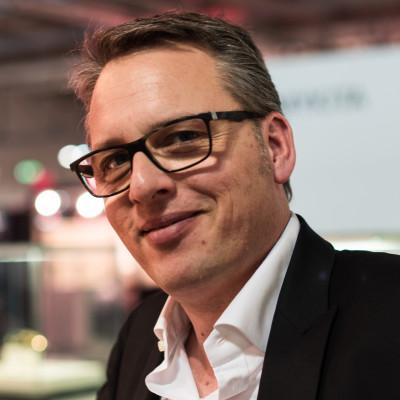 Wolfgang Thelen ist der Inhaber von Hoffmann Natural Eyewear in der Eifel.