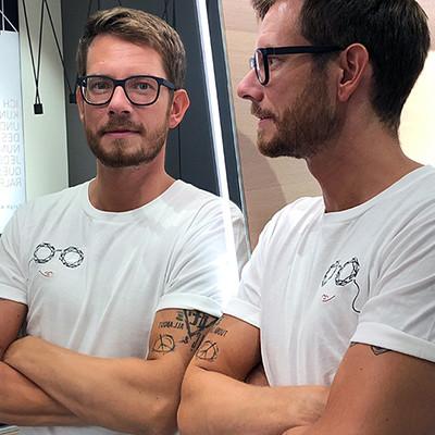 BELLEVUE T-Shirt LIEBE STATT LOGO