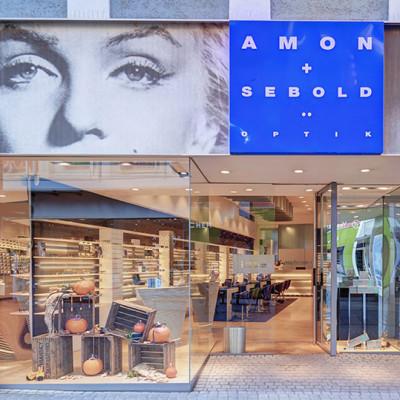 Einblick in das Geschäft von Amon & Sebold in Aschaffenburg.